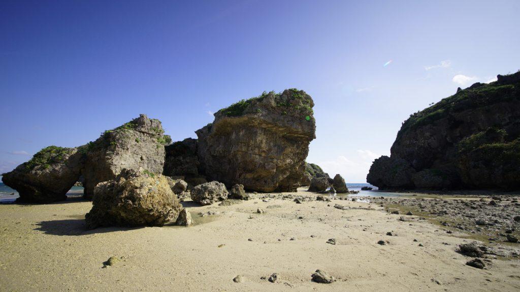 シルミチューの近くの海
