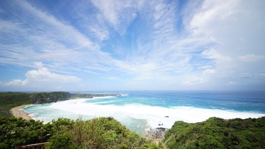 辺戸岬のヤンバルクイナ展望台(やんばるくいなてんぼうだい)から見る絶景