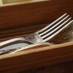 ザジャングリラカフェアンドレストラン(The JunglilaCafeandRestaurant)のオシャレなフォークとスプーン