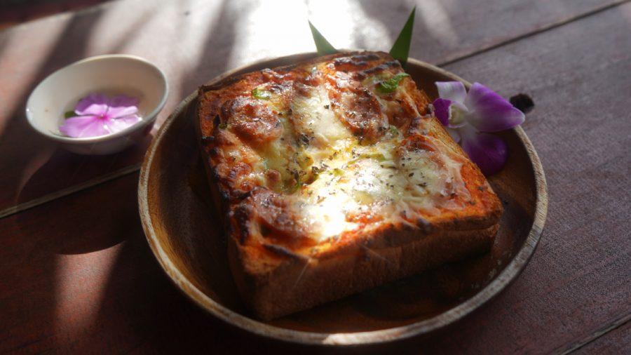亜熱帯茶屋(あねったいちゃや) の厚切りピザトースト