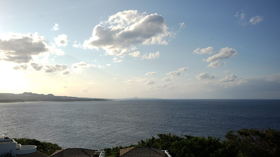 INN CAFE(イン カフェ)から見える伊江島