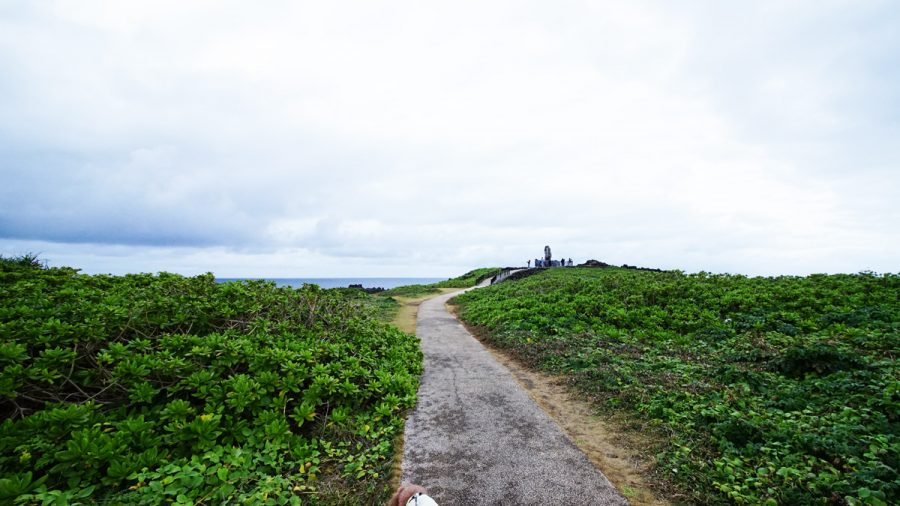 辺戸龍神龍王神(へどりゅうじんりゅうおうしん)辺戸岬の石碑