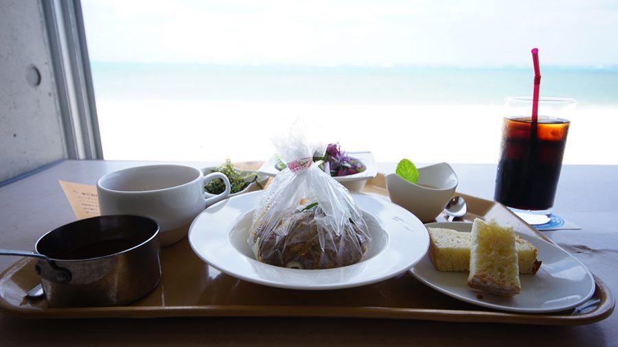 On the Beach CAFE(オン ザ ビーチ カフェ)てごねハンバーグ