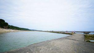 玻名城ビーチ(はなしろびーち)コンクリート囲い