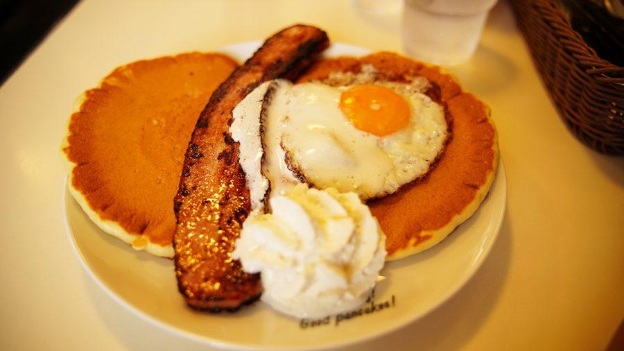 ハワイアンパンケーキハウス パニラニ(Hawaiian Pancakes House Paanilani)ステーキベーコンパンケーキ