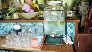 アボカフェ沖縄店(あぼかふぇおきなわしてん)レモン水